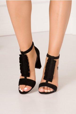 Sandale negre din piele intoarsa cu volanase in partea din fata