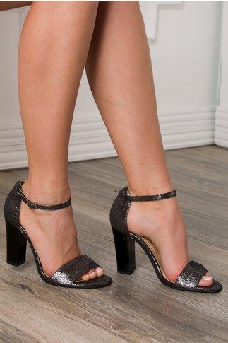 Sandale negru cu sclipici cu bereta si toc gros