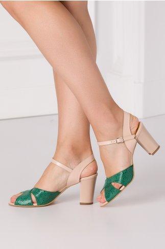 Sandale nude cu benzi verzi incrucisate in fata