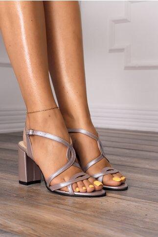 Sandale taupe cu design placut cu decupaje