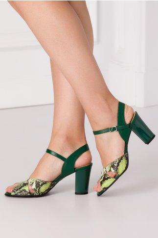 Sandale verzi cu benzi incrucisate in fata si imprimeu piele de sarpe