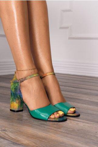 Sandale verzi cu imprimeu pastelat multicolor