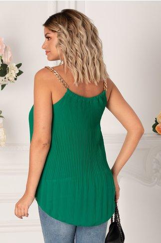 Top verde plisat cu lanturi