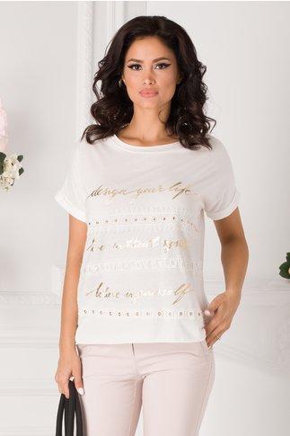 Tricou alb casual cu aplicatii din broderie si text auriu