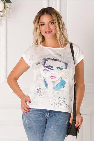 Tricou alb de dama casual cu imagine multicolora imprimata