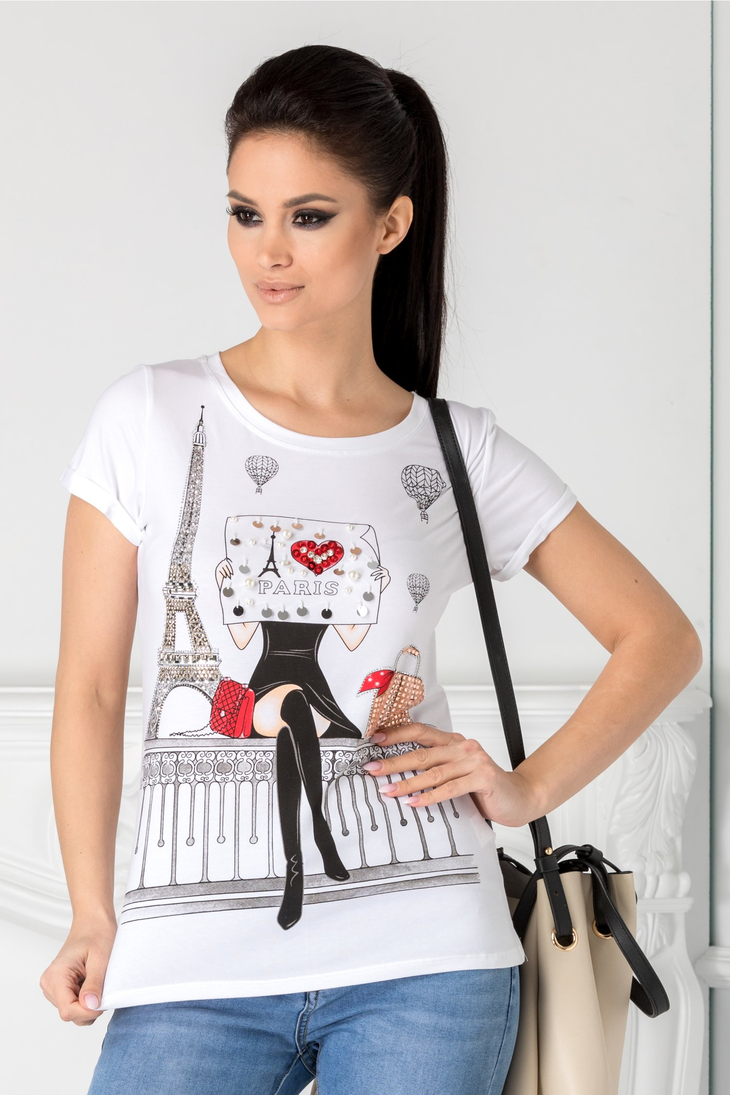 Tricou Anelie alb cu imprimeu pe fata si strasuri