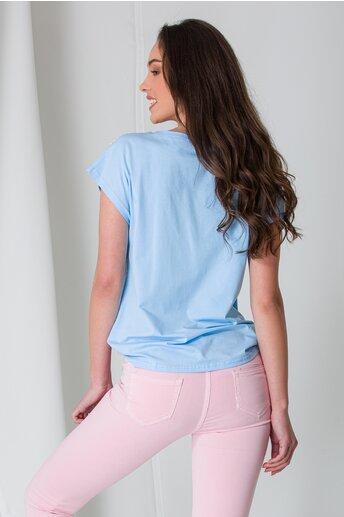 Tricou bleu cu perlute si strasuri la umeri
