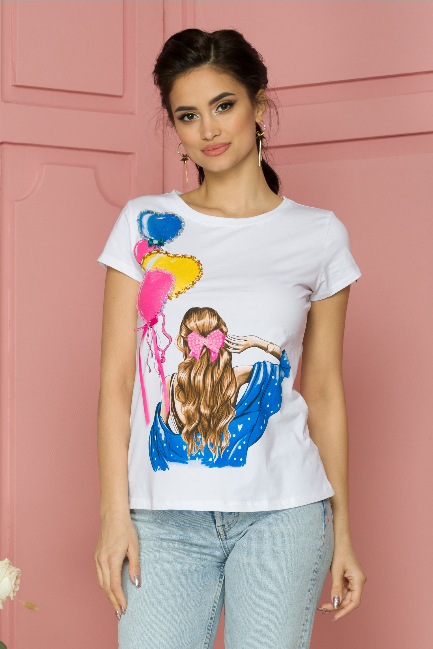 Tricou Daria alb cu imprimeu colorat si insertii din paiete