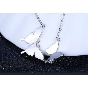 Pandativ cu lantisor din argint Loving Butterfly