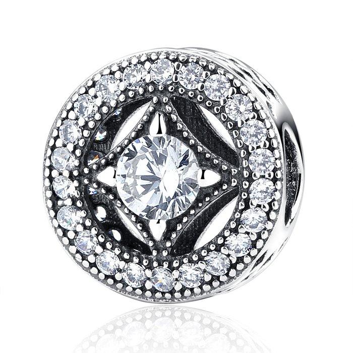 Talisman din argint cu cristale de Epoca poza 2021