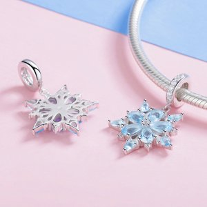 Talisman din argint cu Fulg de Nea si Cristale Albastre