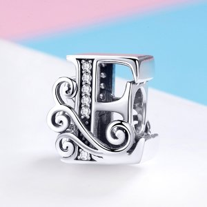 Talisman din argint cu Litera E din Poveste