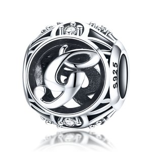 Talisman din argint cu Litera G si cristale