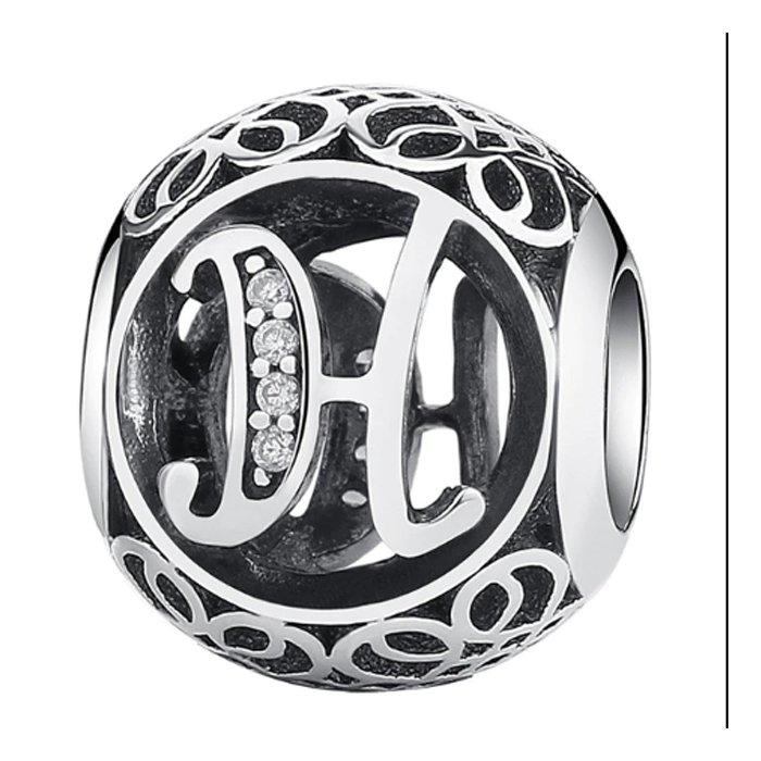 Talisman din argint cu litera H