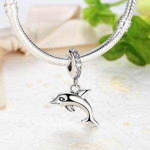 Talisman din argint patinat cu Delfin Prietenos
