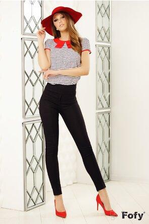 Bluză Fofy din voal cu dungi și cu guler roșu stilizat