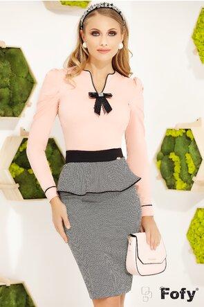 Camasa Fofy roz cambrata cu brosa decorativa