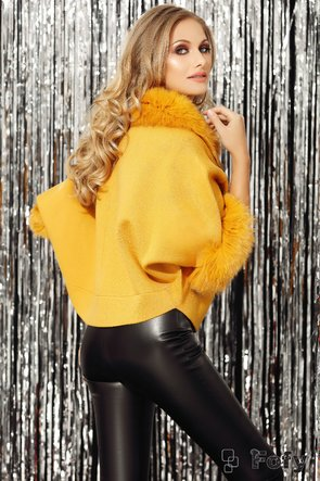 Jacheta sofisticata cu maneci fluture din tricot si blana naturala