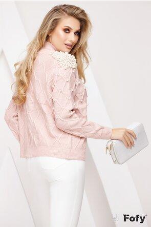 Pulover roz pudrat cu epoleti si aplicatii de perle