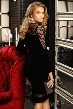 Rochie Fofy din catifea neagra si insertii de broderie cu motive de arabesc stilizat