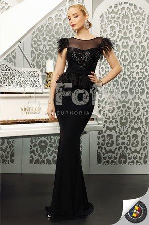 Rochie lungă neagră cu paiete și pene