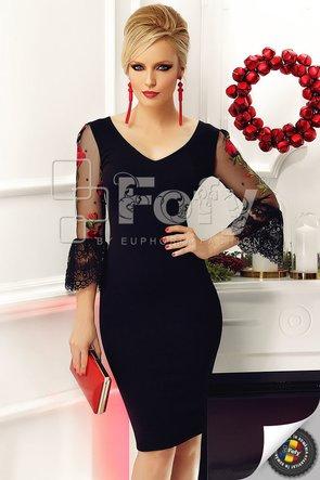 Rochie neagră cu mâneci clopot cu broderie roșie