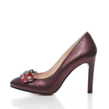 Pantofi bordo sidefat din piele naturala Elisa cu aplicatii florale
