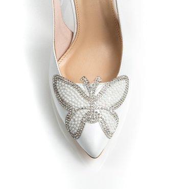 Pantofi de dama din piele naturala alb sidef cu aplicatie fluture Dada
