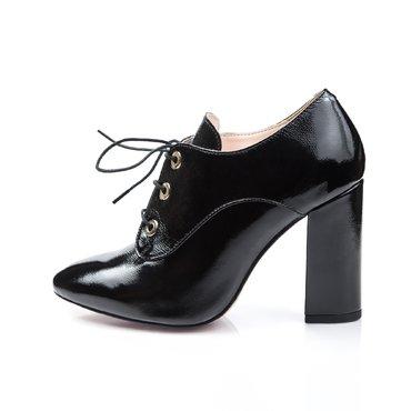 Pantofi de dama lac negru Mia cu ocheti aurii