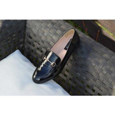 Pantofi negri din piele naturala lacuita Felicia