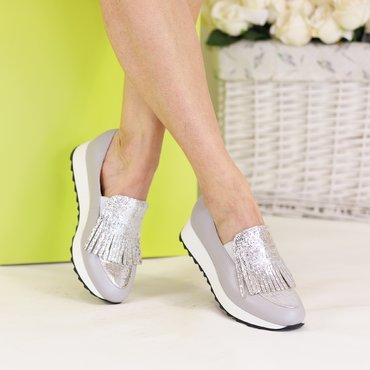 Pantofi sport piele gri Klara cu franjuri argintii