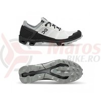 Pantofi alergare dama On Cloudventure Peak white/black
