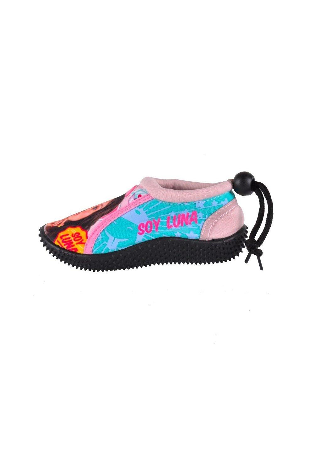 Pantofi pentru apa, Soy Luna imagine