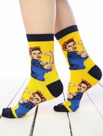 Sosete colorate cu model strong woman Socks Concept SC-1559