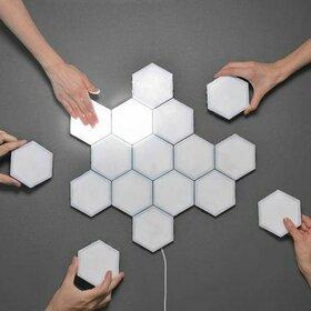 Lampa modulara hexagon cu aprindere prin atingere