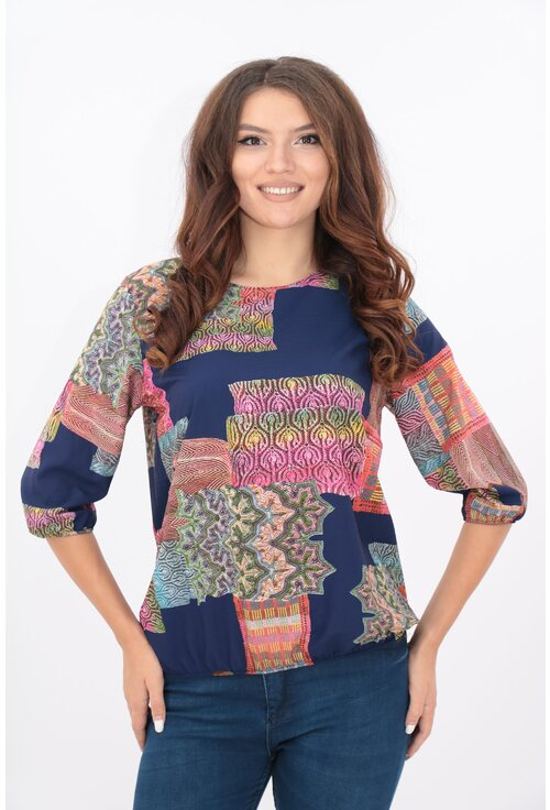 Bluza albastra cu desen abstract multicolor