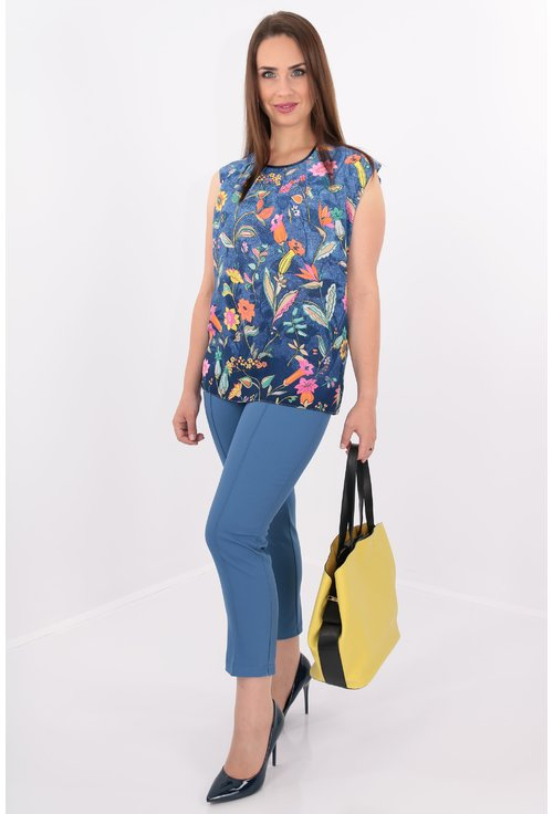 Bluza albastra cu print floral