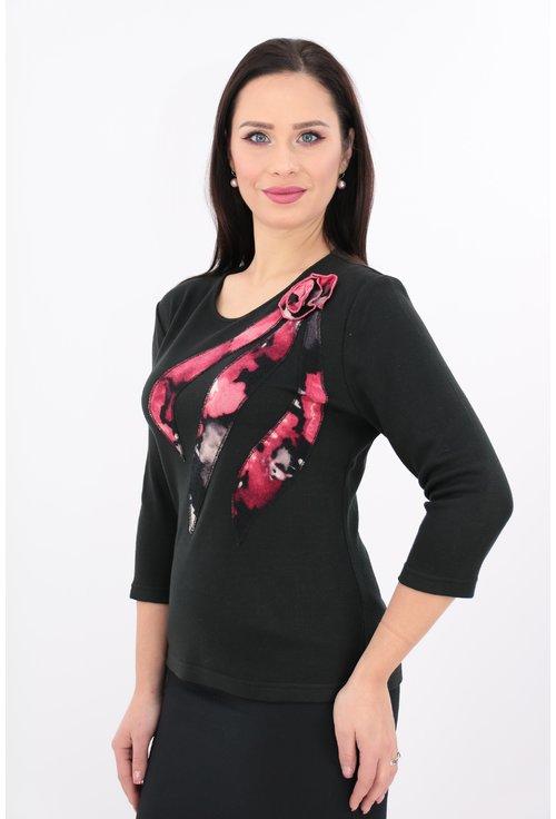 Bluza neagra cu flori roz