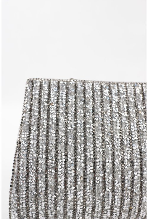 Clutch argintiu din material textil sidefat cu strasuri