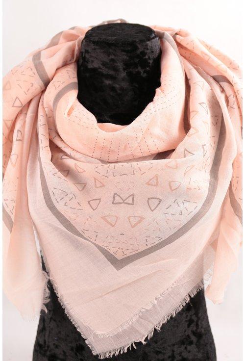 Esarfa patrata fina roz cu desen geormetric