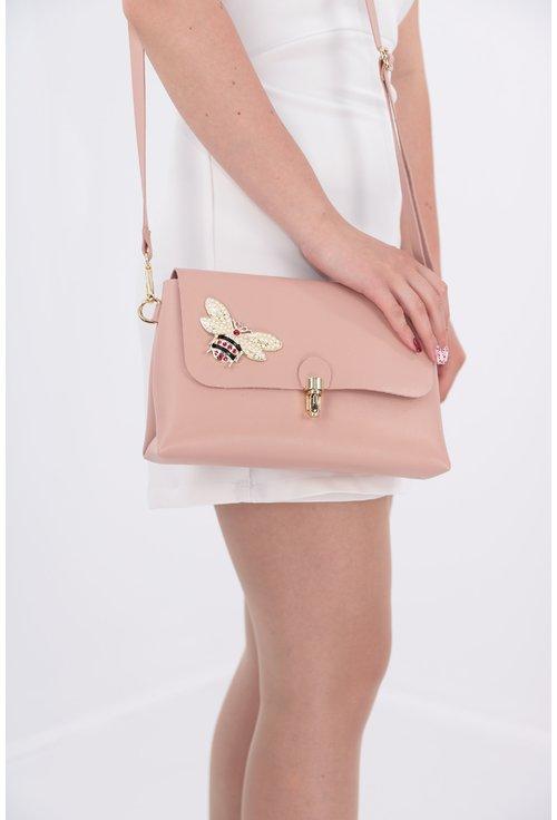 Geanta roz pudra cu fluturi