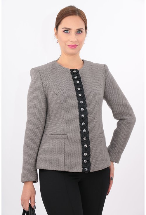 Jacheta gri cu garnitura neagra