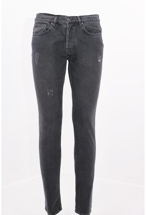 Jeans negri decolorati si deteriorati