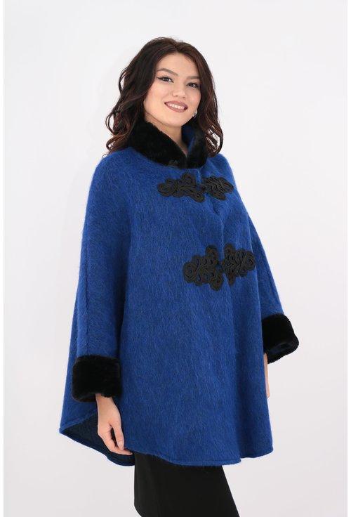 Poncho din stofa groasa albastra cu blanita neagra