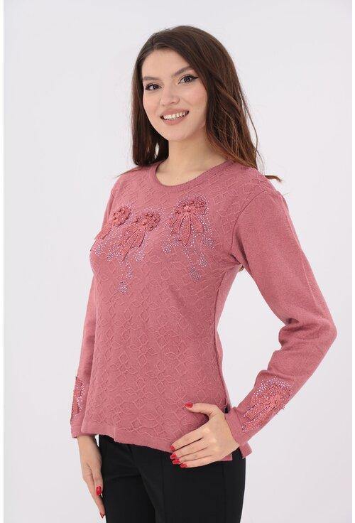 Pulover roz cu fundite