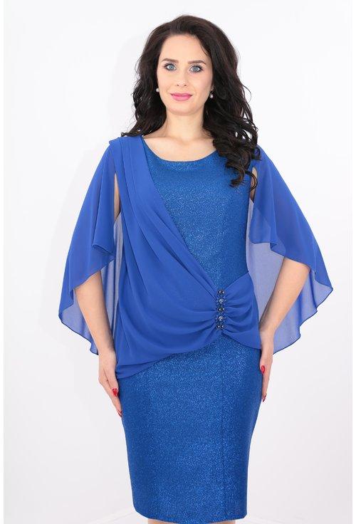 Rochie albastra cu voal drapat si pelerina din voal
