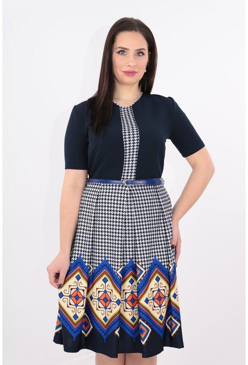 Rochie bleumarin cu bordura geometrica