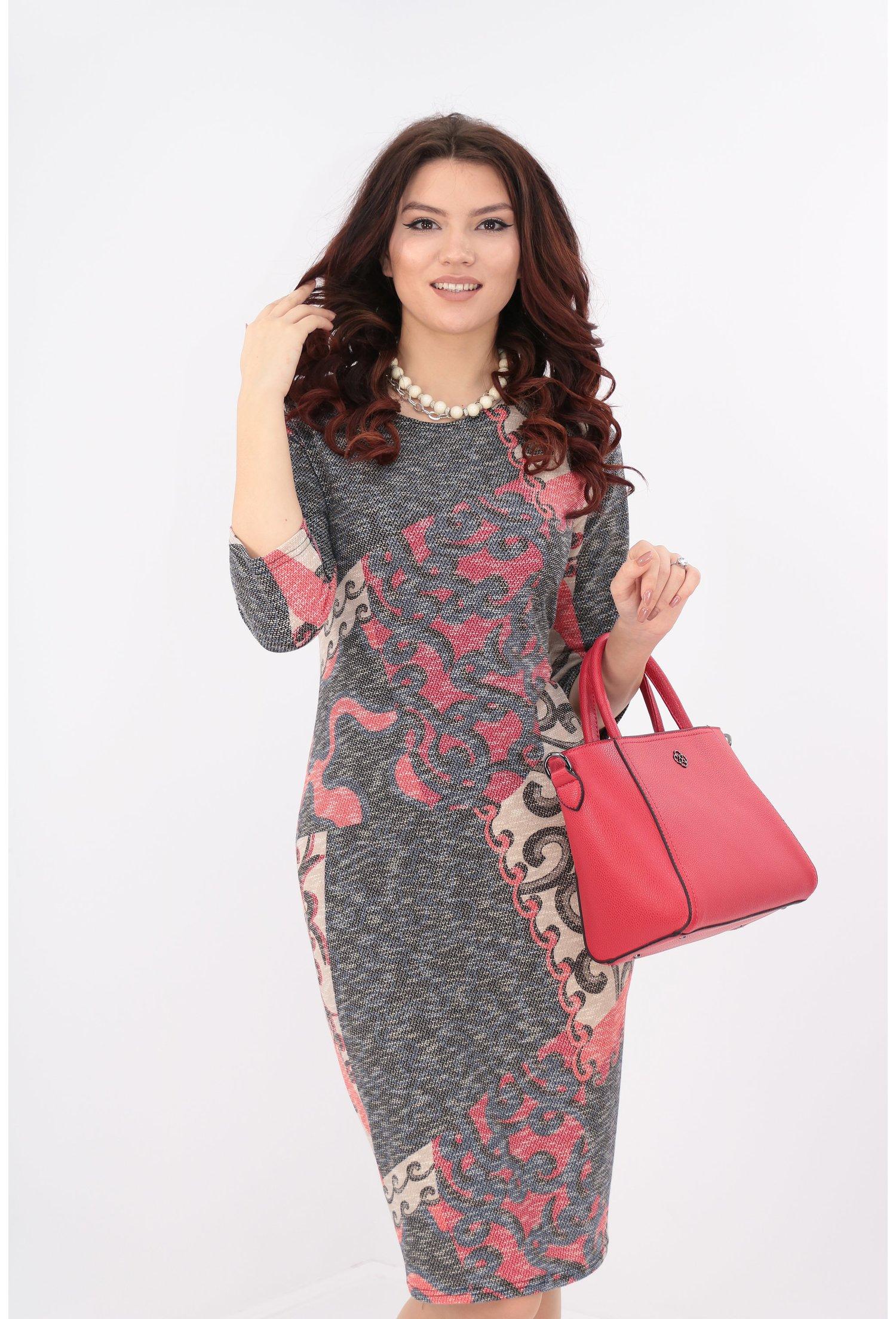 Rochie cu imprimeu abstract rosu
