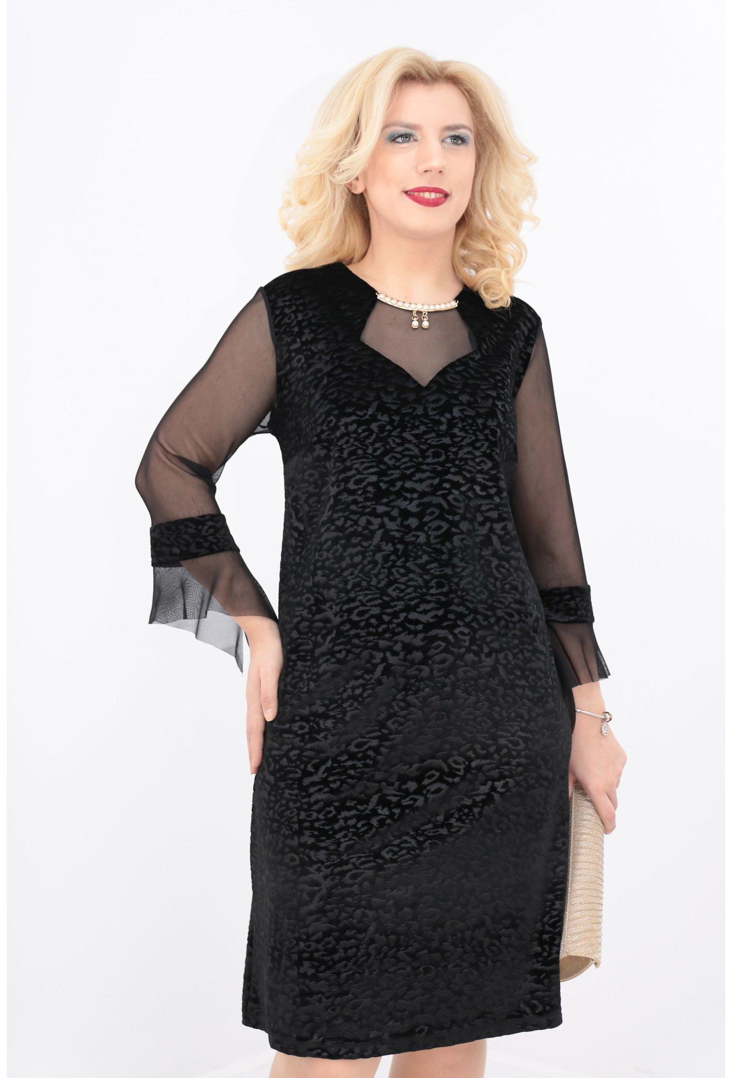 Rochie din catifea neagra cu perle