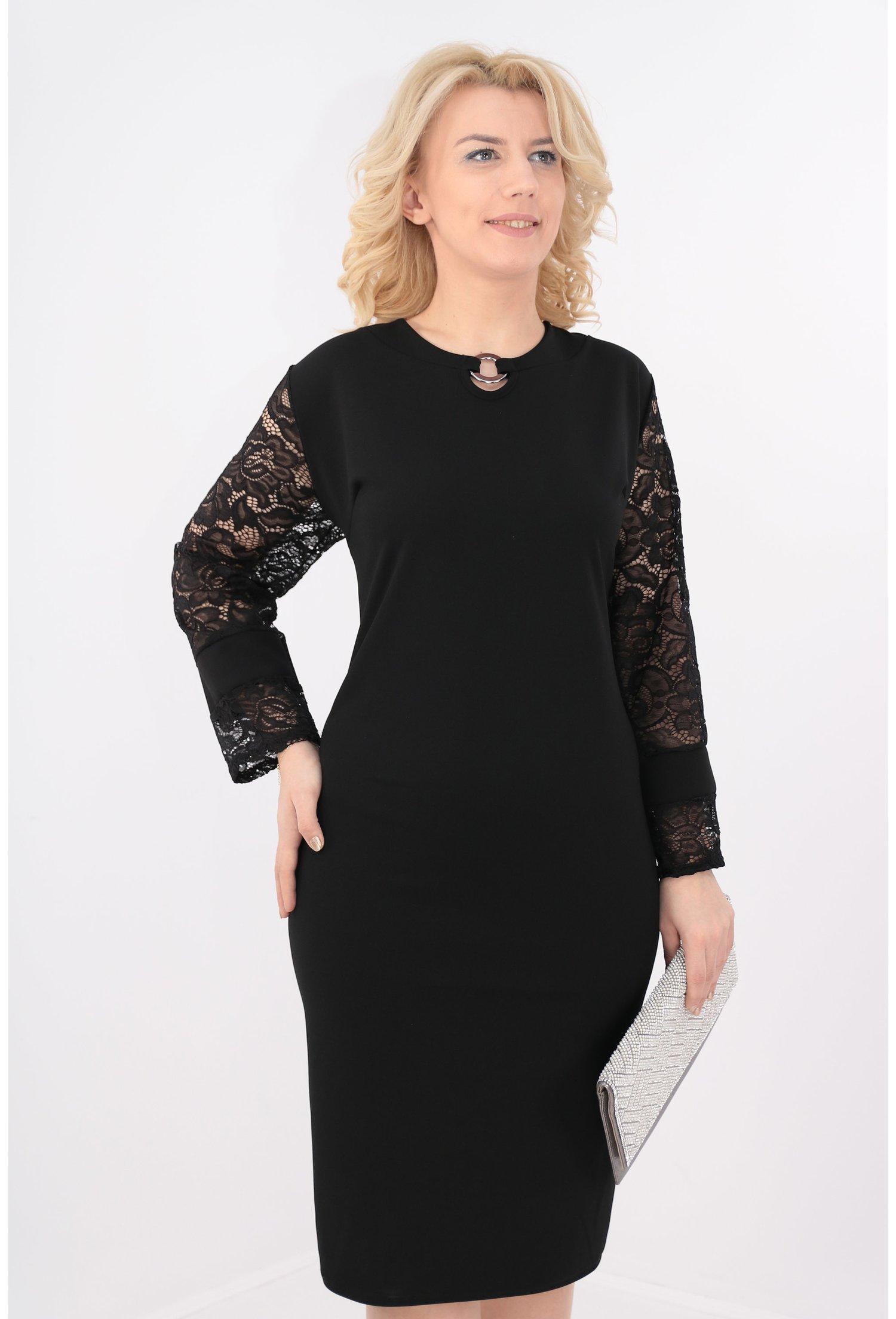 Rochie eleganta neagra cu maneci din dantela